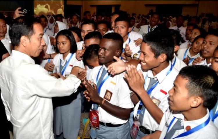 Presiden-Pemuda-Harus-Berani-dan-Pandai-Manfaatkan-Peluang.html